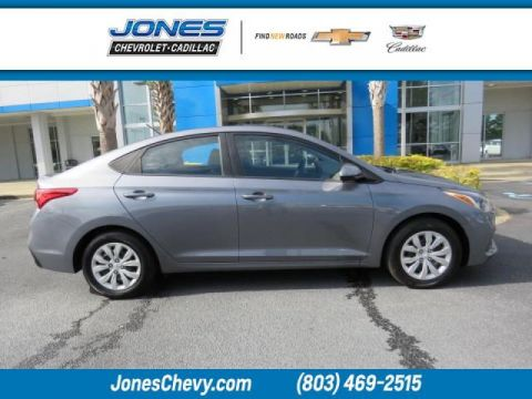 Pre-Owned 2019 Hyundai Accent SE FWD 4dr Car